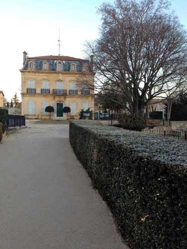 Bastide au fond du Parc Saint-Mître accueillant l'équipe administratif du Muséum